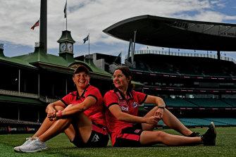 Sydney Sixers players Alyssa Healy and Maddy Darke.