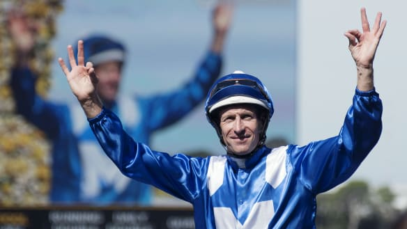 Winx notches world record as pressure mounts on Waller team