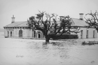 A home in Spring Gardens, Warrnambool during the 1946 floods.
