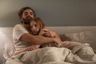 Oscar Isaac and Jessica Chastain in Scenes From a Marriage, a more PG version of their red carpet appearance.