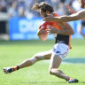 'In shock': Giants fear ACL tear for captain Ward