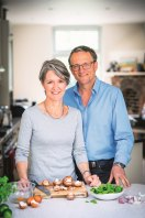 Dr Michael Mosley and his wife Dr Clare Bailey, co-authors of The Fast 800 Easy.