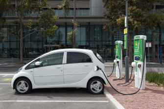 More charging stations are needed if the national electric car fleet is to expand.