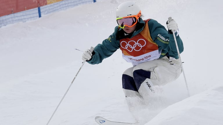 BrittCox runs the course during the women's moguls qualifying.