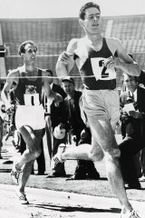 Australia's Jim Bailey shocked world-record holder John Landy to run the first mile under four minutes in the United States in 1956.