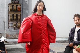 Lady in red at the Jordan Dalah show.