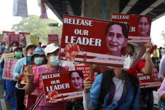 Deposed leader Aung San Suu Kyi remains under arrest.