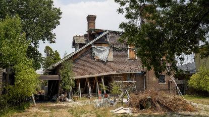 'Uninhabitable', but owner loses demolition battle for heritage house