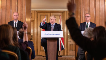 Chief Medical Officer Chris Whitty, Prime Minister Boris Johnson and Chief Scientific Officer Patrick Vallance at a press conference last week.