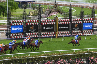 Glen Boss and Bivouac won the Sprint Classic by more than three lengths.