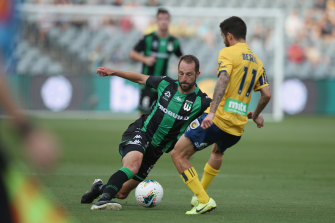 Andrew Durante in action against Central Coast Mariners during round seven.
