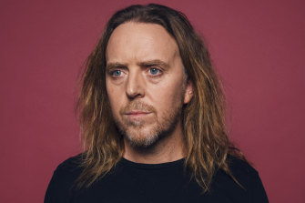 Tim Minchin's studio album Apart Together misses the mark, says reviewer Michael Dwyer.
