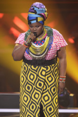 Thando Sikwila performing during the showdown round in The Voice.