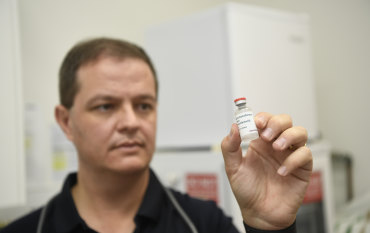 How did Australia's vaccine rollout turn into a 'train wreck'?