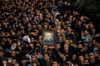 Thousands of mourners turned out across Iran and Iraq to lament the death of Iranian general Qassem Soleimani.