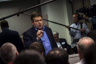 Frank Luntz, who has worked as a political consultant for decades, says Australia's divisions over climate policy are fixable.