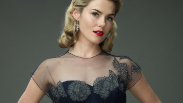 Rachael Taylor in a 1959 period outfit for Ladies in Black.