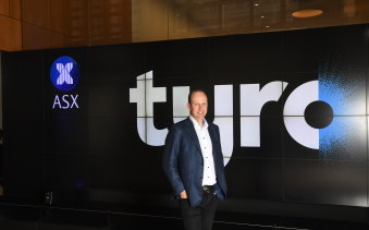 Tyro CEO Robbie Cooke ringing the bell when the fintech company debuted on the ASX on 6 December, 2019.
