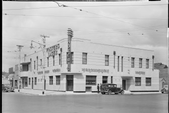 The Greyhound soon after its art deco facelift.