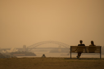 Days more of smoke haze expected to cloak Sydney, with a spike in temperatures to come.