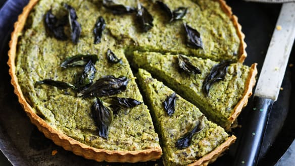 Pea and basil tart: perfect for a vegan Christmas dinner.