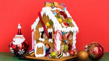 Anna Polyviou's gingerbread lolly bag house.