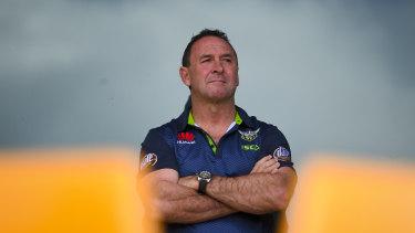 Ricky Stuart has backed Peter V'landys.