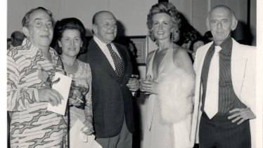Holdsworth Galleries opening of Donald Friend exhibition with Donald Friend, Gisella Scheinbergand Sonia and Billy McMahon, 1975.