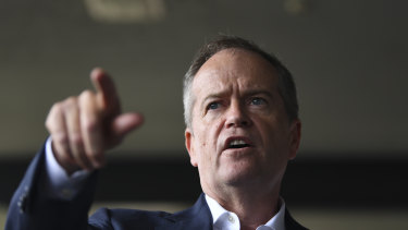 Opposition Leader Bill Shorten will call for a major inquiry into the water buyback scandal.