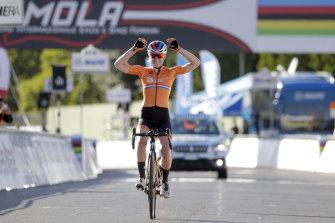 Anna van der Breggen celebrates her solo victory.