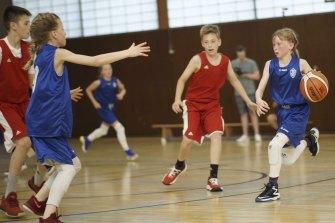 Raise the Bar follows a basketball team of Icelandic girls who want to play against boys.