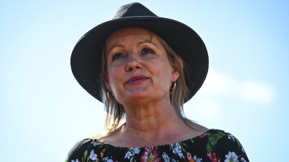 Climate change the biggest threat to Great Barrier Reef: Ley
