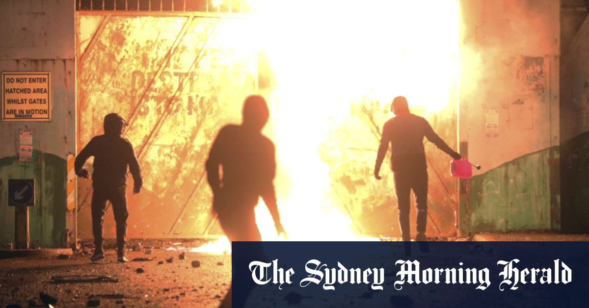 Leaders call for calm after fourth night of rioting in Belfast – Sydney Morning Herald