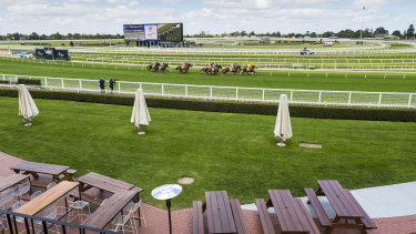 A return to the racetrack for owners has been delayed.