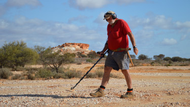 Peter Muir, 69, has been prospecting for gold across WA since 1989.