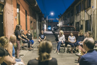 "After the social uprising in Chile, neighbours got to know each other and organised activities together, like people from ""Pasaje Emilio"", an alleyway in the heart of the city."