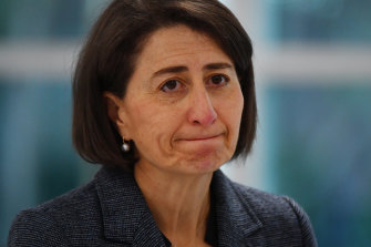 NSW Premier Gladys Berejiklian has asked anyone who has travelled from Victoria and is experiencing COVID-19 symptoms to get tested and isolate.