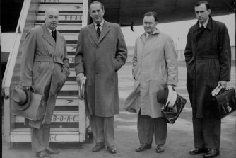 Sir Miles Thomas, Chairman of the British Overseas Airways Corporation, flew from London Airport in a BOAC constellation to carry out an investigation of the crash. March 14, 1954.