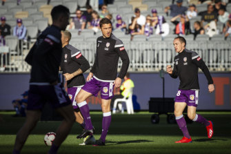 Dino Djulbic of the Glory warms up before the 2019 A-League grand final.