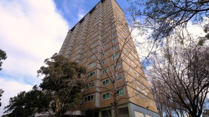 State records 29 new local COVID-19 cases as outbreak spreads to Melbourne public housing tower