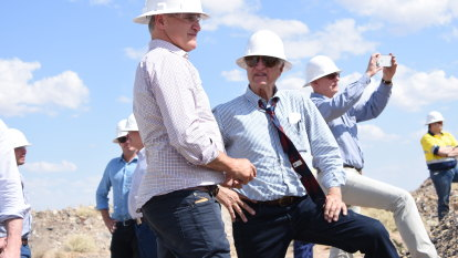 Bob Katter hands over party leadership to his son