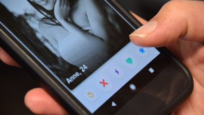 Perth man who 'stalked' 20 women he met online fronts court accused of texting some more than 100 times a day