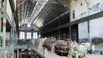 Heritage-listed power station 'rotting on banks of the Swan': Perth MP