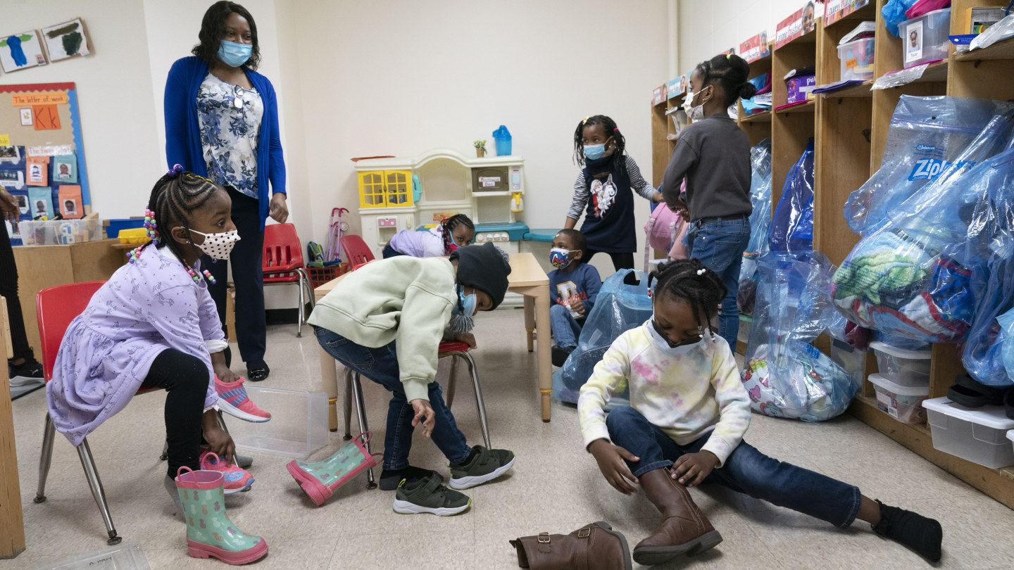 As schools reopen in the US, parents are beginning to worry about vaccination, and mask regulations.