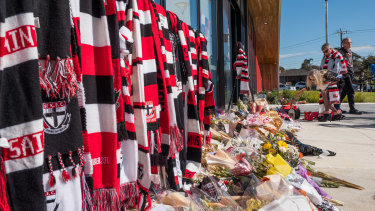 Fans lay tributes for Danny Frawley at Moorabbin Oval.