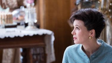 Renee Zellweger plays Judy Garland in Judy.