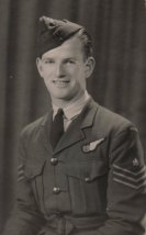 Bob Wade as a new recruit in the RAAF.
