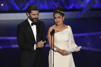 Oscar Isaac and Salma Hayek present the award for best sound editing.