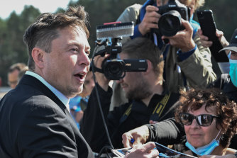 Elon Musk's tweets continue to shape the bitcoin price.