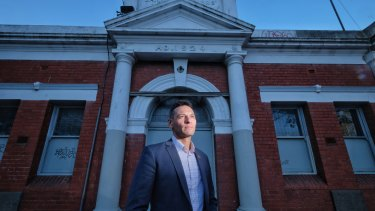 Veteran Dan Cairnes is disappointed the RSL is not pursuing an offer to turn a derelict Memorial Hall into a veterans' hub.